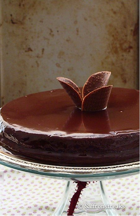 Triple chocolate fudge cake with chocolate ganache – Southern style
