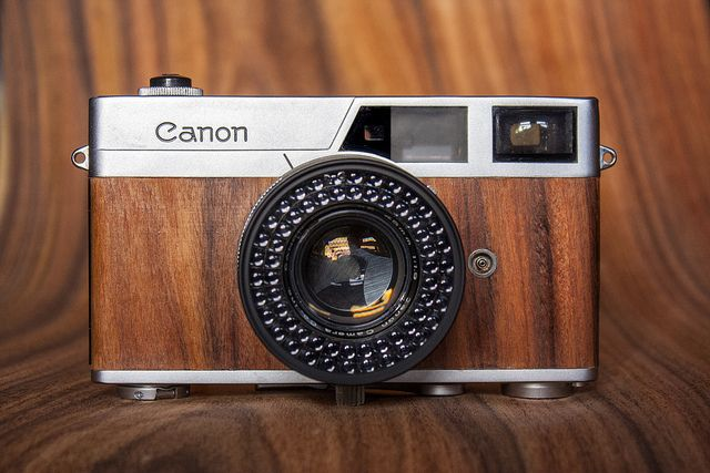 Canon Canonet Front