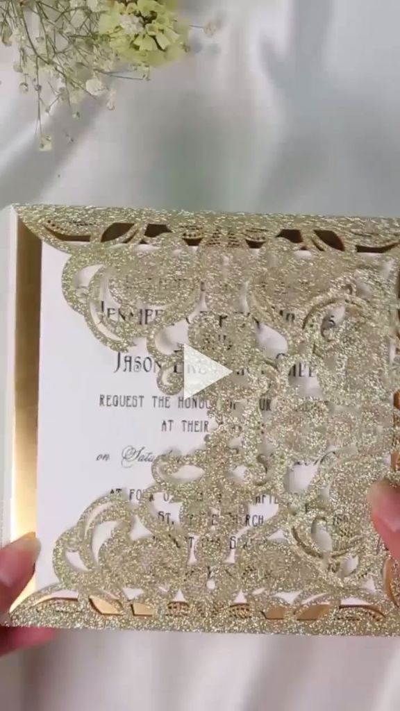 Luxury pale gold glitter wedding invitations with glitter mirror paper bottom #Elegantweddinginvites