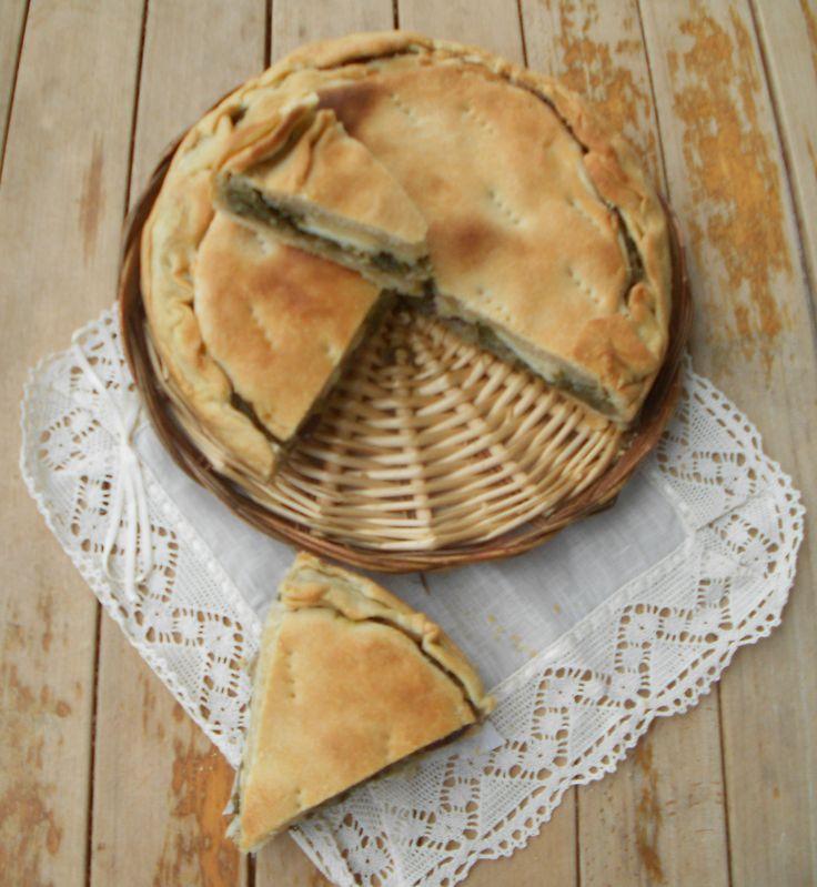 """L'idea di questa focaccia sfogliata mi ha subito colpito quando l'ho vista nel blog di Sara di Dolcizie, dove viene chiamata """"Torta Cappuccina"""". Una"""