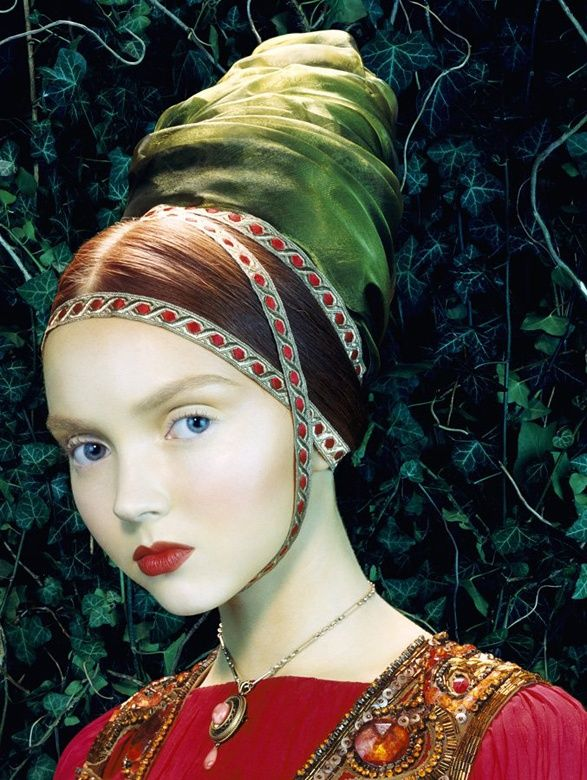 NOIR FAÇADE - The place for fashion editorials. - Like a painting | Lily Cole by Miles Aldridge for Vogue Italia February 2005