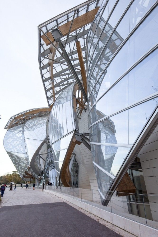 013c6ac861ce7 Gallery of Frank Gehry s Fondation Louis Vuitton   Images by Danica ...