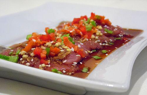 Sashimi z tuńczyka. | Hot Pot - Fabryka smaków.