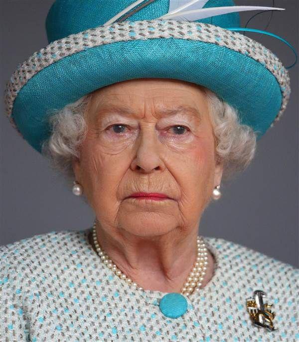 """Queen Elizabeth Death"" Spreads On Social Media [Hoaxed]"