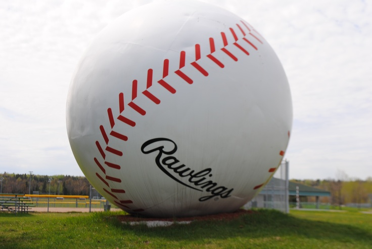 World's largest baseball - Sault Ste Marie, ON......why have I never seen this ??