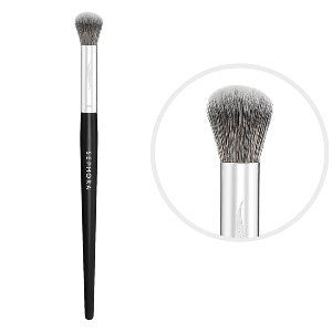 What it is: A concealer brush that applies correcting formulas with a flawless, airbrushed look.   What it does:Discover the secret to the smoothest finish possible with this unique round brush that precisely conceals dark circles, redness, and all o