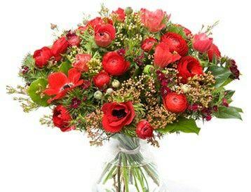 Valentijnboeket  Beste vrienden  boeket met anemoon, ranonkel, duizendschoon en divers groenmateriaal. Verkrijgbaar bij www.bloemenweelde-amsterdam.nl