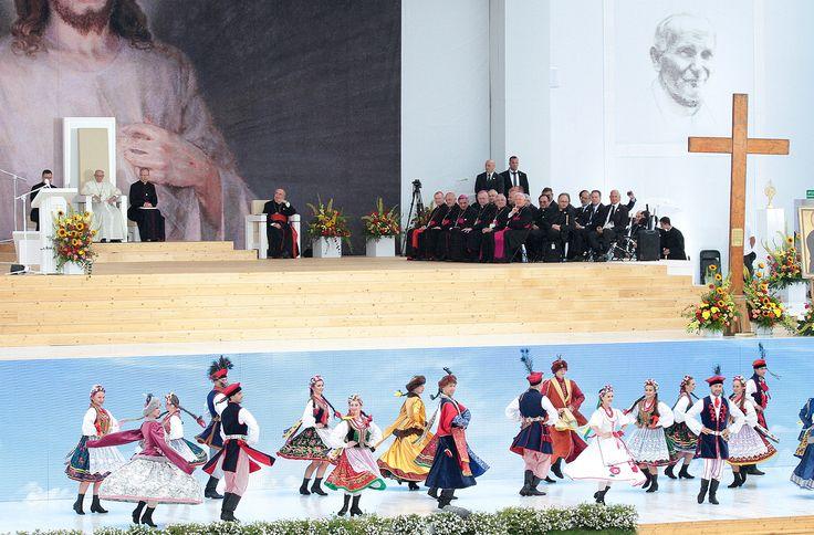 Ceremonia powitania Ojca Świętego na Błoniach.  #WYD2016 #Krakow2016 #PopeInPL  Foto: KAI