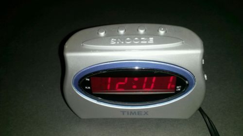 Timex digital alarm clock #w/sound adjustment,snooze #button, battery #backup t10,  View more on the LINK: http://www.zeppy.io/product/gb/2/221953957321/