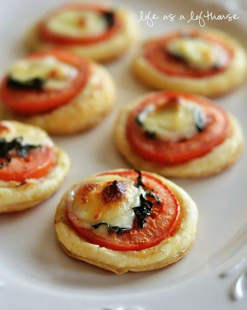 Συνταγές για μικρά και για.....μεγάλα παιδιά: Πως να κάνουμε Μίνι Τάρτες Ντομάτας και Μοτσαρέλας