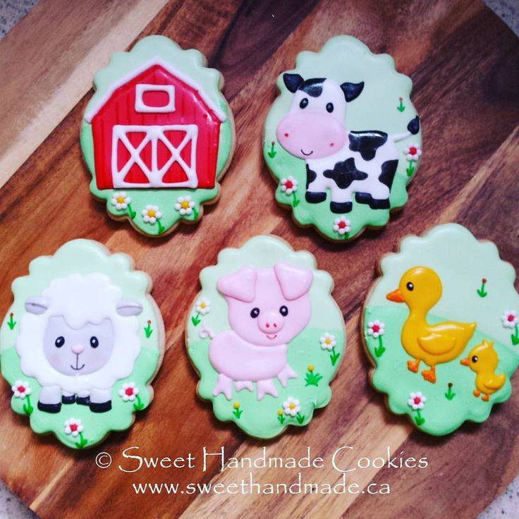 "63 Likes, 3 Comments - Laura Vree (@sweethandmadecookies) on Instagram: ""The entire barnyard baby shower set. ❤🐑🐄🐷🐥 #sweethandmadecookies #customcookies #decoratedcookies…"""