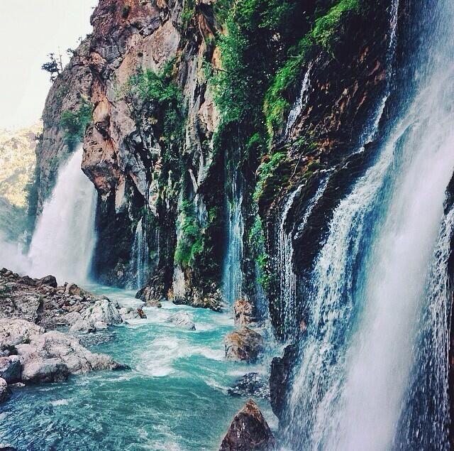 Kapuzbaşı Waterfall #Kayseri #Turkey (Photo by @bysezyilmaz)