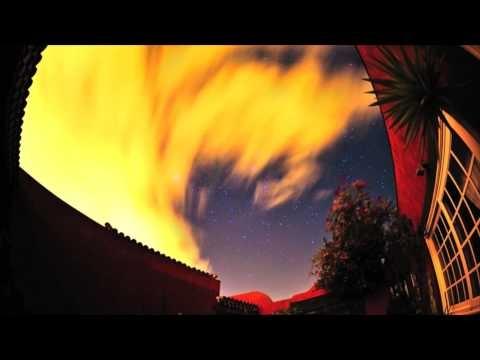 http://www.ciencia-online.net/2012/12/2-videos-de-chuvas-de-meteoritos.html