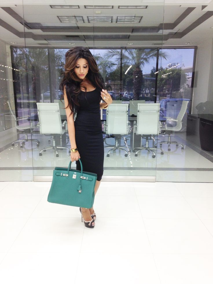 Another office look with my brand new #birkin 40 in color ...