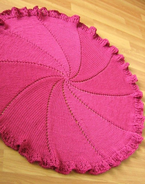 Knitting A Baby Blanket On A Round Loom : Best images about things i may try to knit on