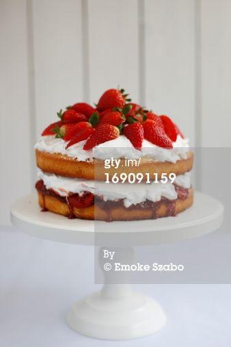 Victoria sponge cake by Emoke Szabo