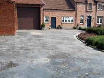 25 beste idee n over betonnen opritten op pinterest aangestampt beton patiodesign en - Tuin grind decoratief ...