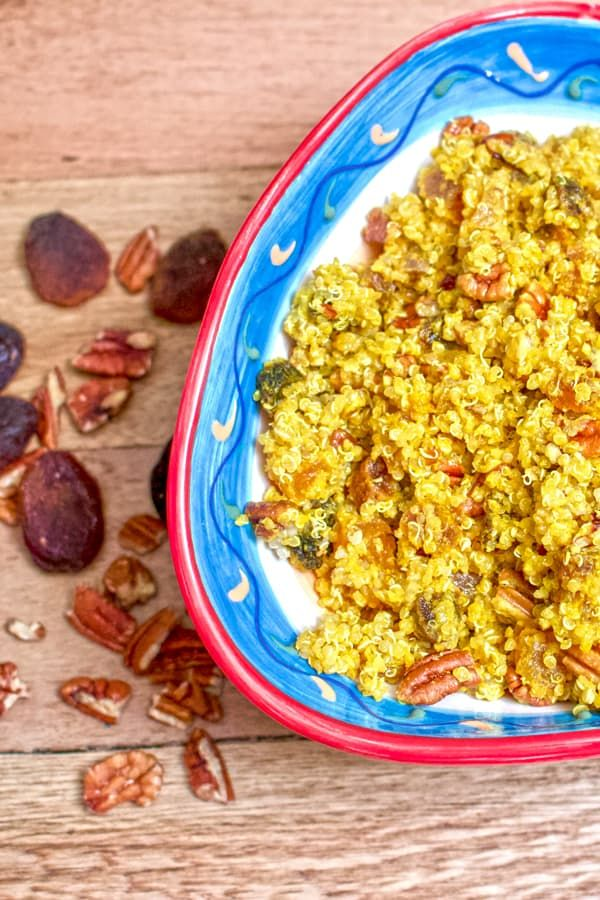 Apricots Pecans Quinoa Salad-Apricots pecans quinoa salad is an easy recipe that can be made all year round. A great option for vegetarians/vegans and not only. It is gluten free, which makes it perfect for holidays or dinners where you need variety of foods to please everyone.