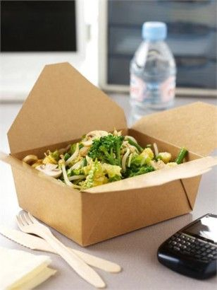 CRUNCHY SALAD WITH HOT AND SOUR DRESSING