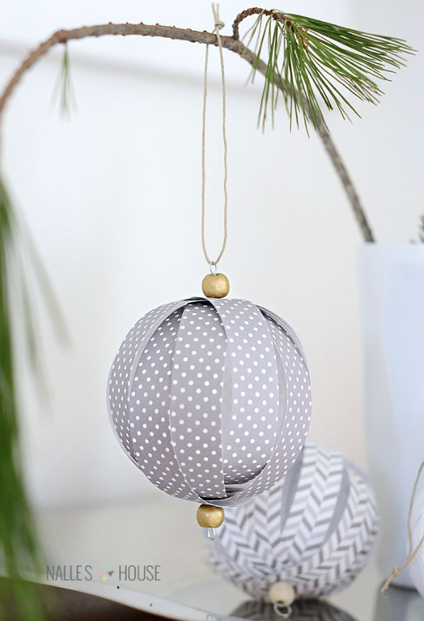 Homemade Christmas decorations ... paper Christmas baubles More