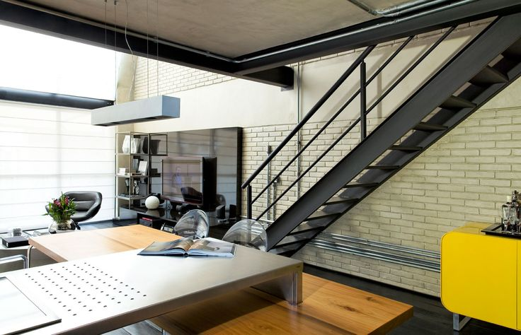 industrial loft staircases   Industrial-Loft-By-Diego-Revollo-4