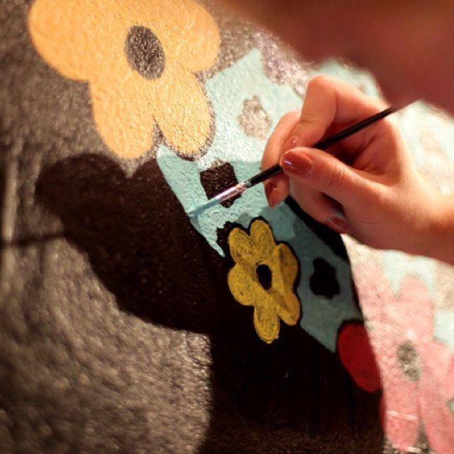 Painting on the wall ● Virki illustration (Vira Kiktso) instagram: @artbyvirki #virki #virkiillustration #illustration #art #paint #painting #wall #artist #konst #konstnär