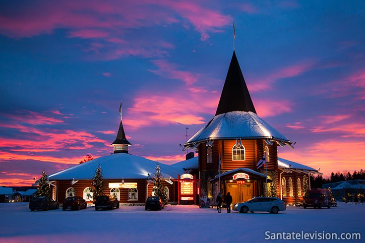 Coucher du soleil au Village du Père Noël à Rovaniemi en Laponie