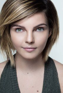 Camren Bicondova. Camren was born on 22-5-1999 in San Diego, California. She is an actress, known for Gotham, Gotham Stories, GirlHouse, and Battlefield America.
