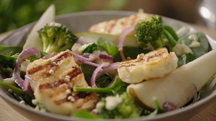 Lauwe salade met gegrilde haloumi en dressing van peer | VTM Koken