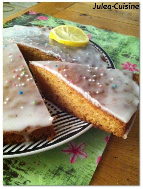 Moelleux au citron  http://juleacuisine.blogspot.fr/2013/12/moelleux-au-citron.html
