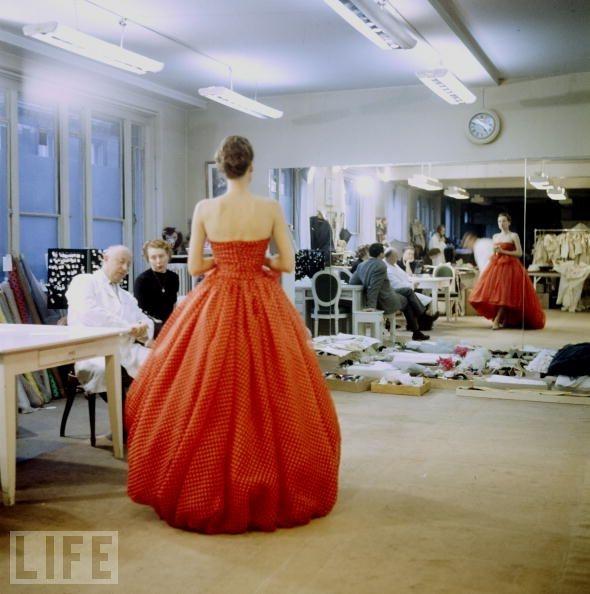 Classic Dior silhouette :)