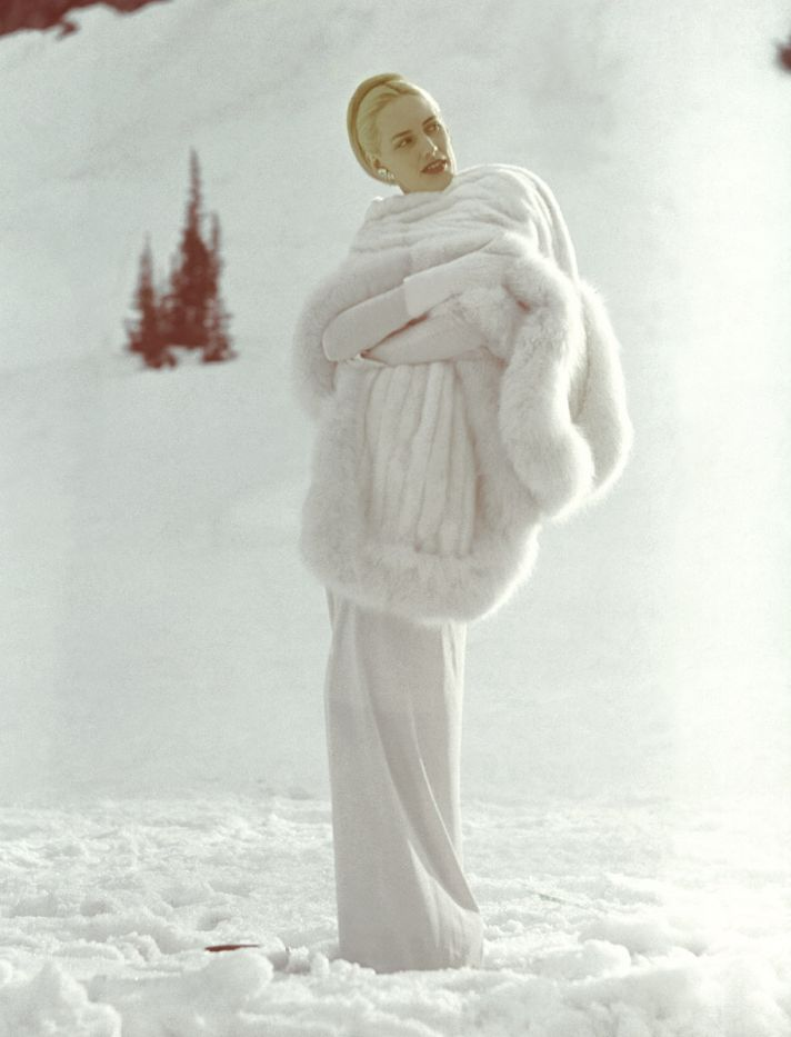 high fashion fur stole for winter brides // OneWed