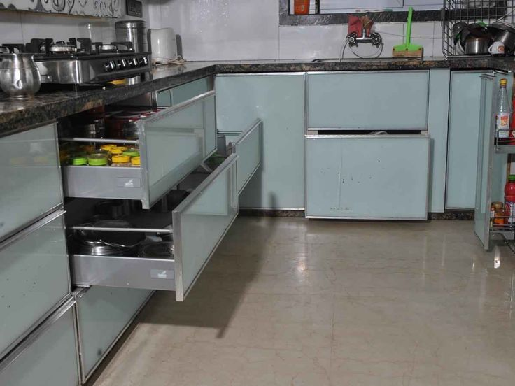 Large kitchen with drawers by 999 interiors interiors for Kitchen design in tamilnadu