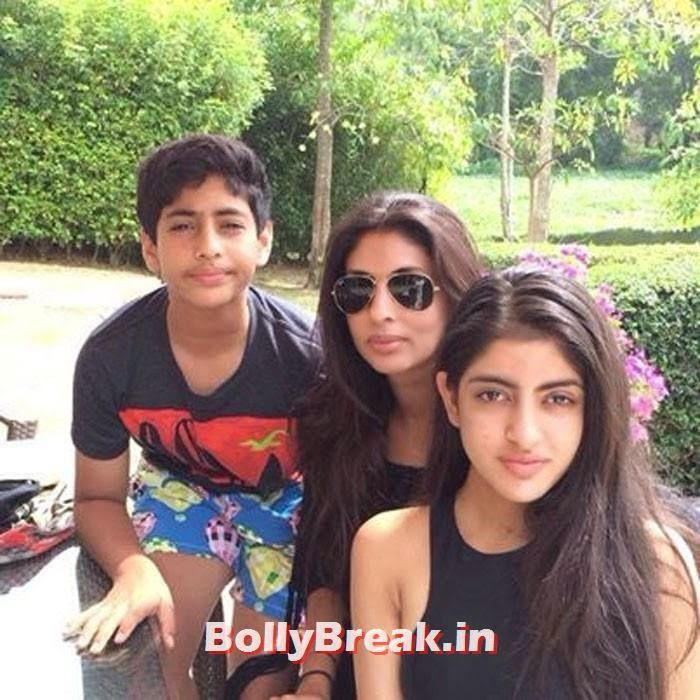 Nikhil and Shweta Nanda have two kids together, Navya Naveli Nanda and Agastya Nanda Kapoor Family Pics, Kapoor Family Chain, Origin, Caste, Family Tree - Nanda, Jain - Raj Kapoor's Family is the biggest in the bollywood. Do you know the family is connected to amitabh bachchan's family as well as sharmila tagore's family. Here are pics of the biggest family of bollywood - Via masala.com , #katrinakaif #ranbirkapoor #kareenakapoor #saifalikhan #karishmakapoor #rishikapoor #kunalkapoor #babita…