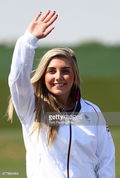 477864464-gold-medalist-amber-hill-of-great-britain-gettyimages.jpg (403×594)