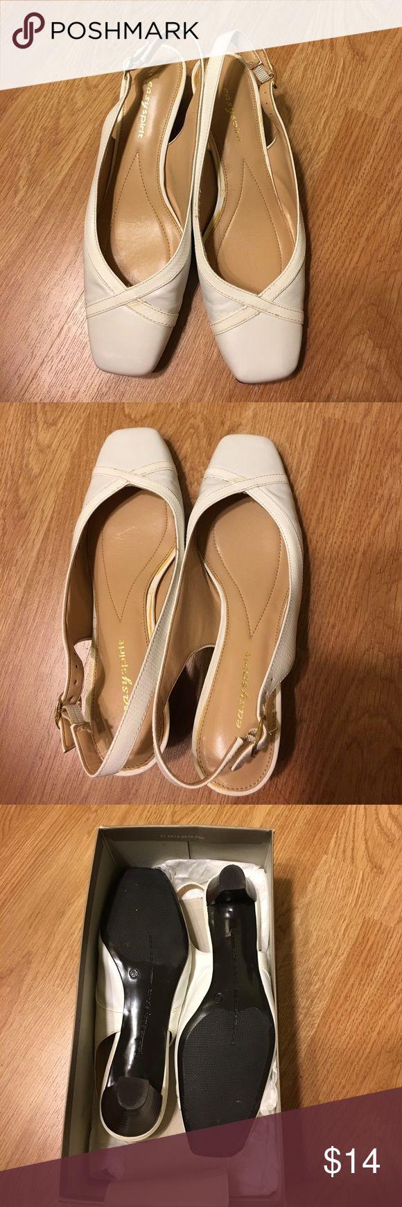 Easy Spirit sandals, lightly used, white color Easy Spirit sandals, lightly used, excellent condition, white color Easy Spirit Shoes