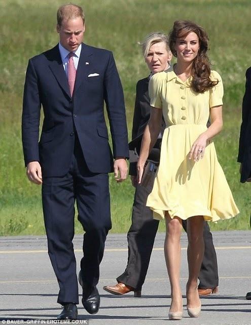 Upskirt petite robe jaune 2 - 1 5