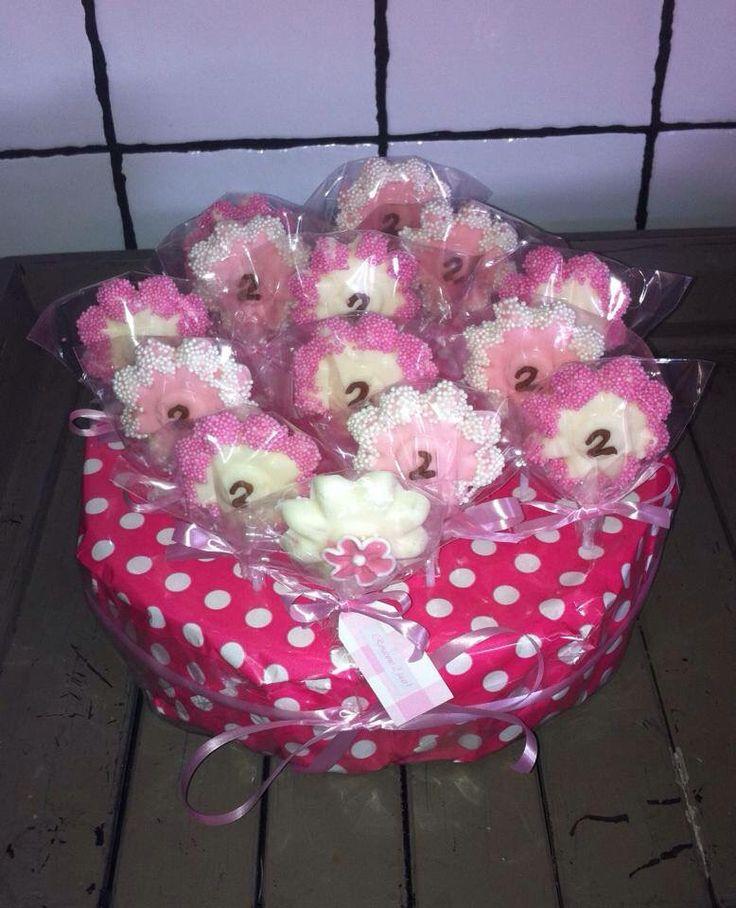 Chocolade lolly's voor verjaardag; bloemetje Sweet & Treats op Facebook