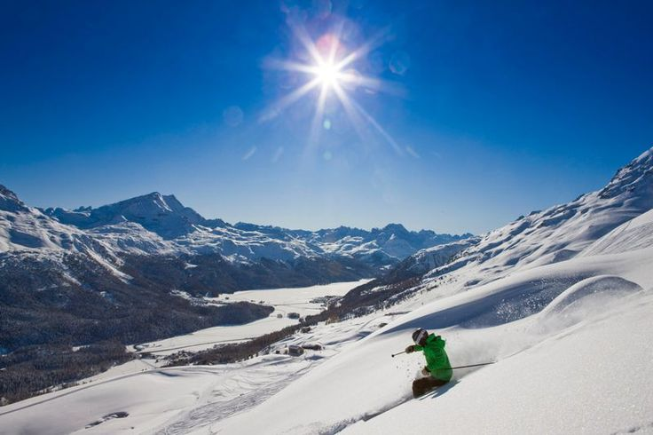 St. Moritz. Thrilling snowsport with a view of the frozen Engadin lakes.