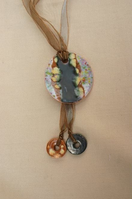 Fotos de collares de cer mica artesanales dise os nicos for Disenos para ceramica