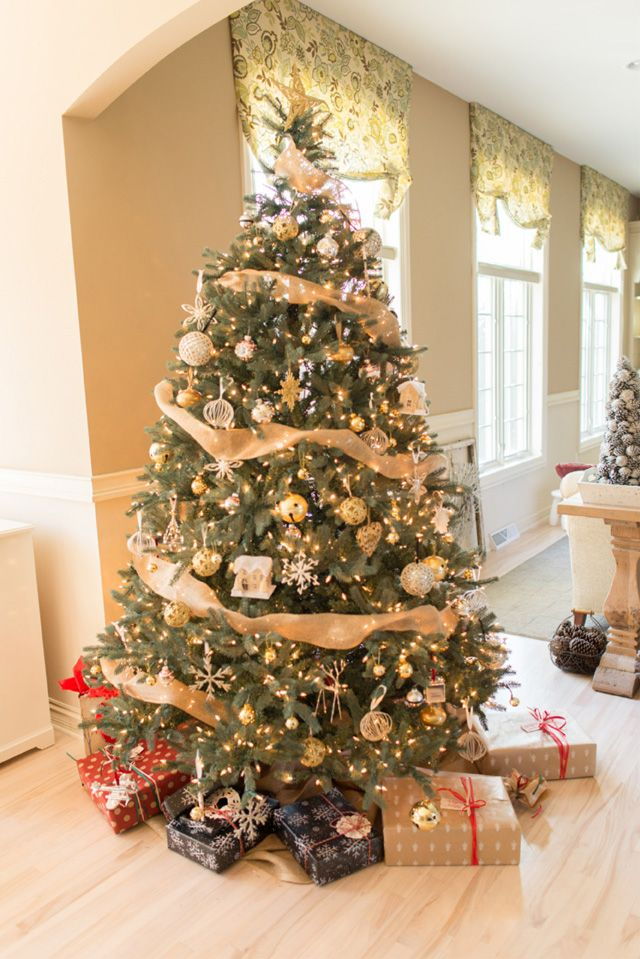 The 25 Best Rustic Christmas Tree Stands Ideas On Pinterest