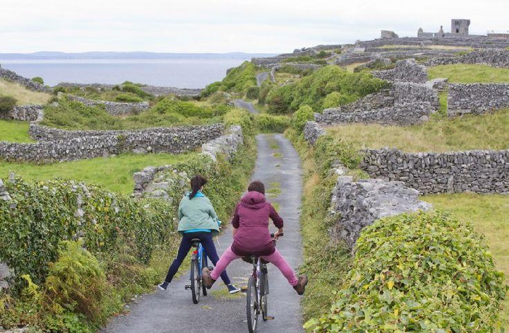 Route de campagne proche de Galway, Irlande Tourism Ireland