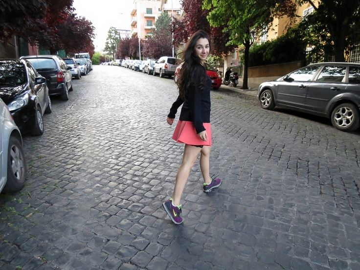 Girly outfit with trainers! Click in the pic to see the details!