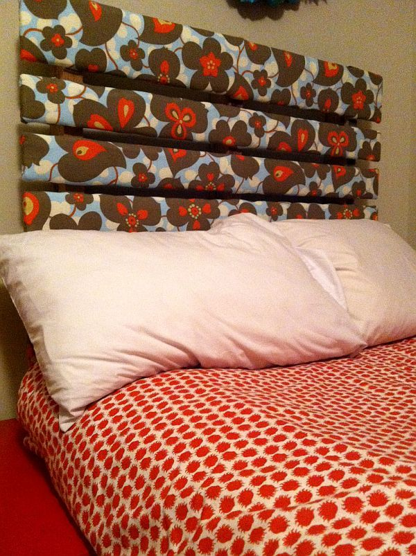 Pallet headboard covered in fabric// Never would have thought of this! - Hate the fabric bit I bet with the right fabric this would be awesome.