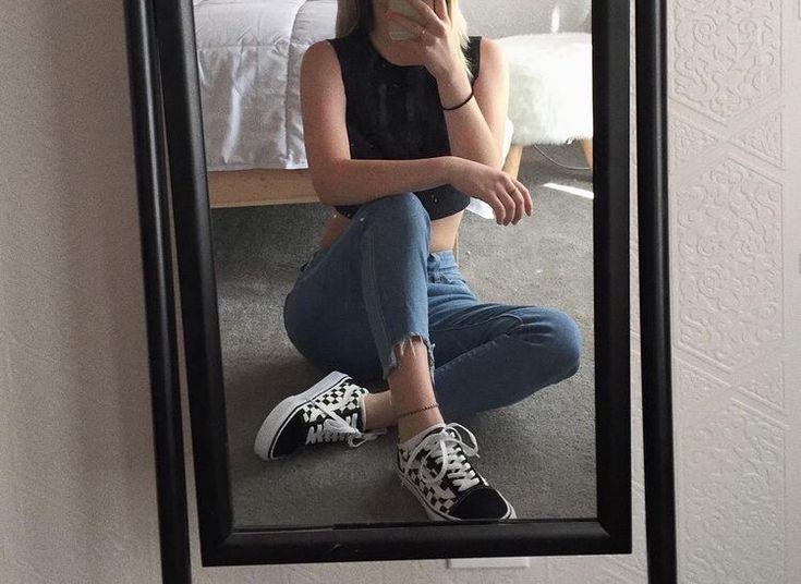 Фото в зеркале девушек в полный рост