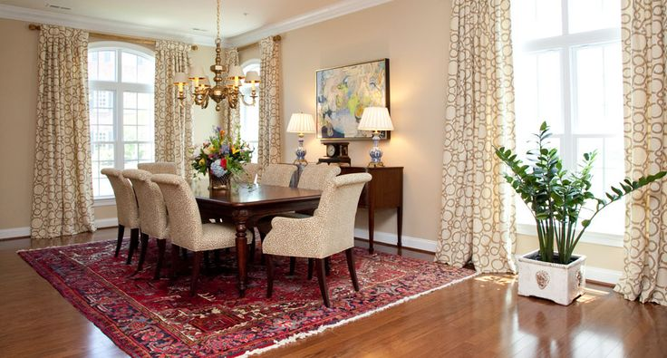Dining Room Oriental Carpet Brass Chandelier Blue