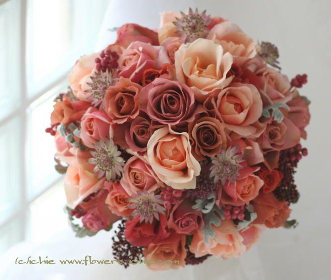 ブーケ ラウンド アンブリッジローズとジュリアとハロウィン 冬 : 一会 ウエディングの花