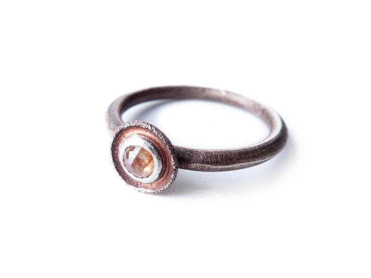 Kathrin Dunst- Ring Silber 925/- mit Diamantrose © Kathrin Dunst