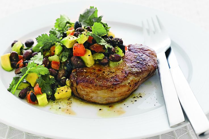 Grilled pork with avocado, black bean and lime salad 11 propoints