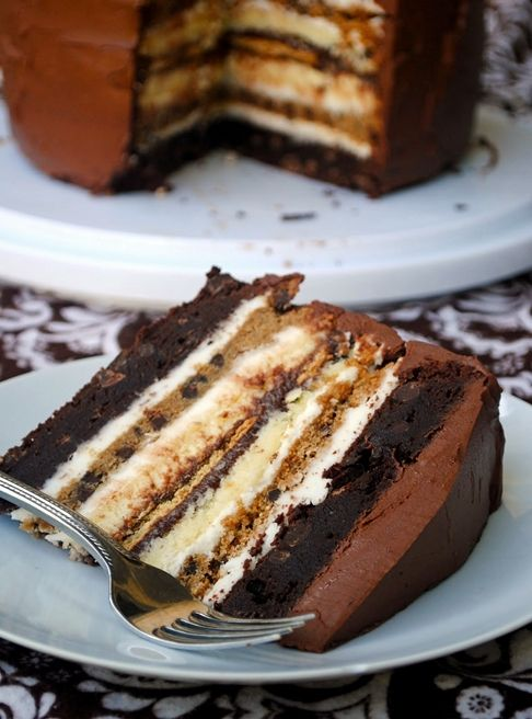 7 layers cake: 2 brownie layers, 2 cheesecake, 2 chocolate chip cookie, 1 graham crackers
